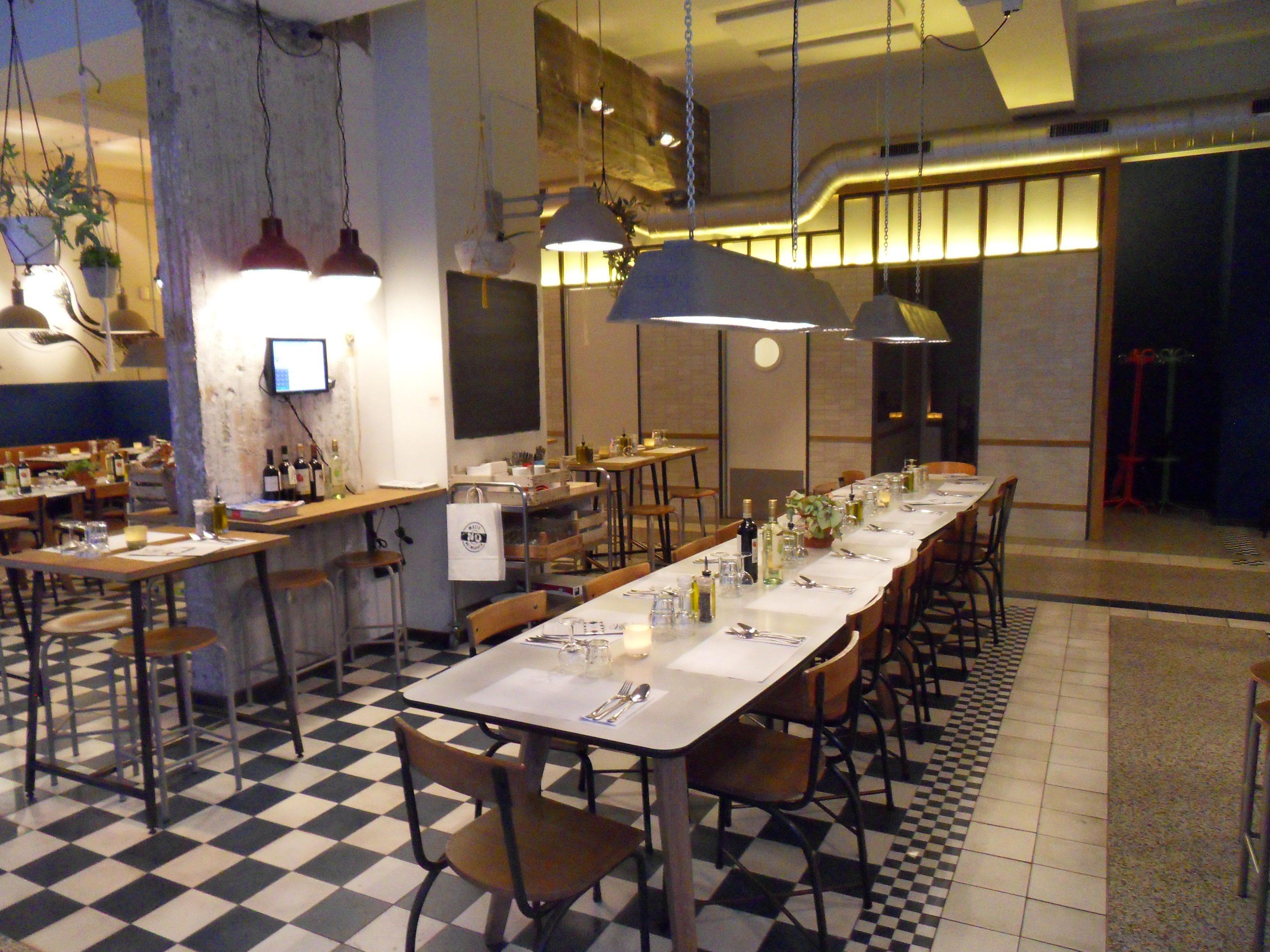 Prima eten bij de pasta kantine kleine rotterdammer - Interieur binnenkomst ...