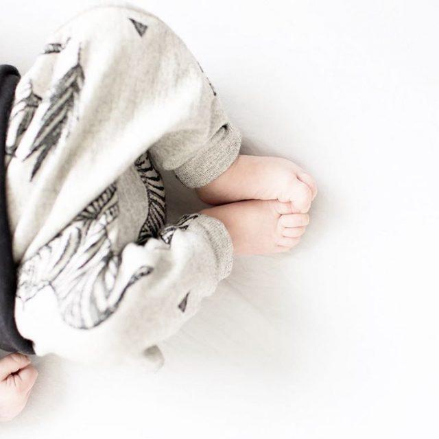 Verliefd kleinerotterdammer blog rotterdam babyboy boris babyfeet babyfashion lotteoudshoorndesign klikklakhellip