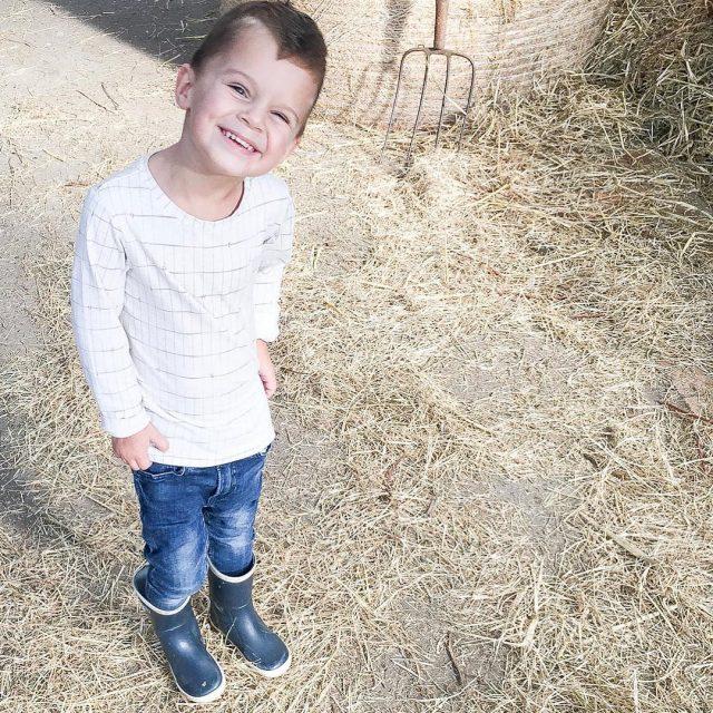 Blij ei kleinerotterdammer blog rotterdam hotspot kinderboerderij schieveen ruben candidchildhoodhellip