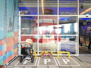 Maritiem Museum buggy parkeerplaats